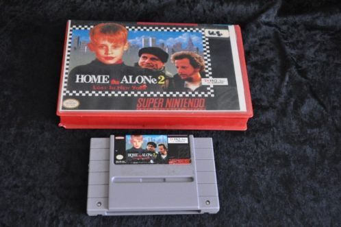 Nintendo SNES Home alone 2 lost in new york Hard cover NTSC
