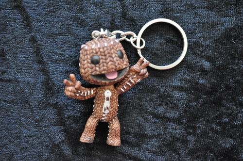 Little Big Planet Sackboy Peace Sign Keyring NEW