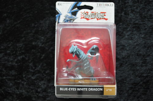 TOTAKU YU GI OH! Blue Eyes White Dragon No 19 NEW